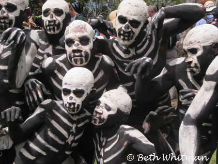 Skeleton Group at the Enga Show