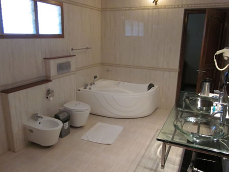Kanchipuram bathroom