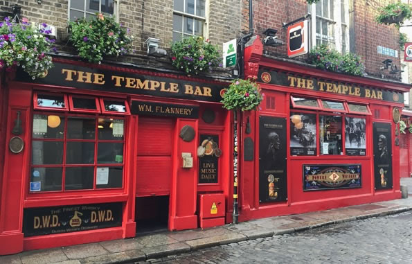 ireland dubline temple bar