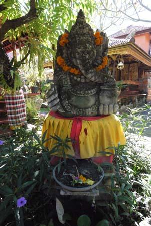 Ganesh statue, palace