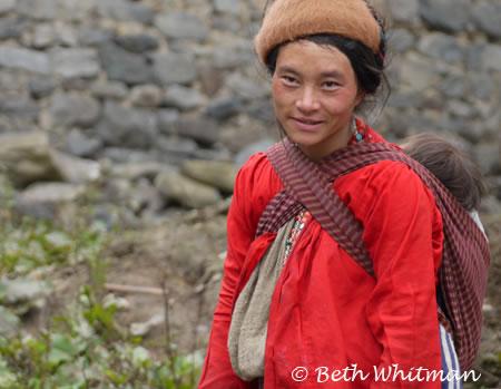 Bhutan_Trek4_WomanChild