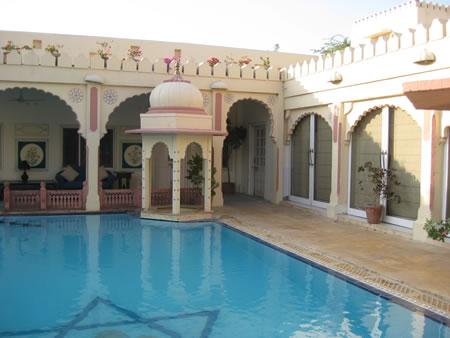 Rohet Garh Hotel pool