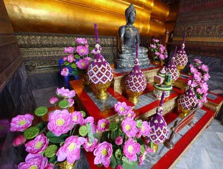Wat Pho Altar in Bangkok