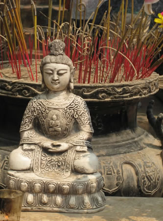 Vietnam Altar