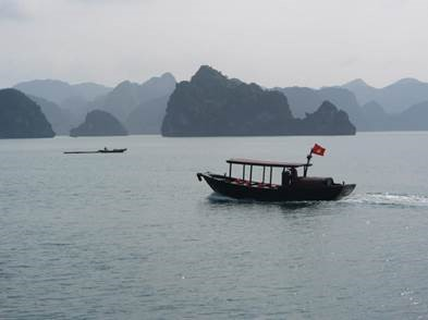 boat on Halong Bay