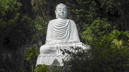 White Buddha Thuy Son