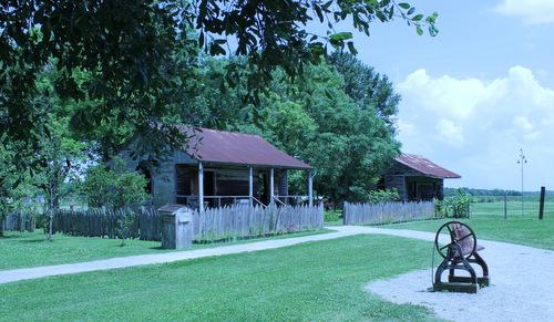 Laura slave huts