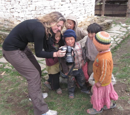 Womand with kids in Bhutan