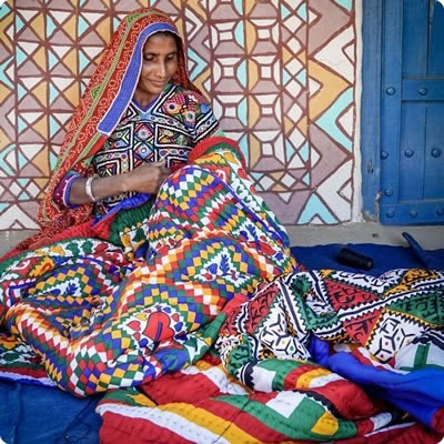 gujara woman weaving